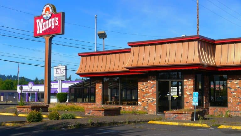 A Wendy's job application online is a great choice for teenagers and seniors.