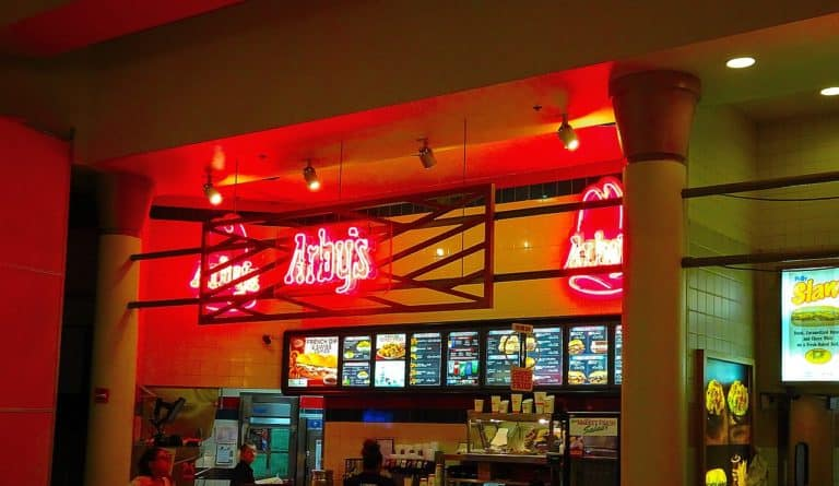 Arby's careers are not high-paying but management positions are in demand.