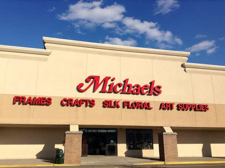 """Here is the answer to """"How much does Michaels pay its employees?"""""""