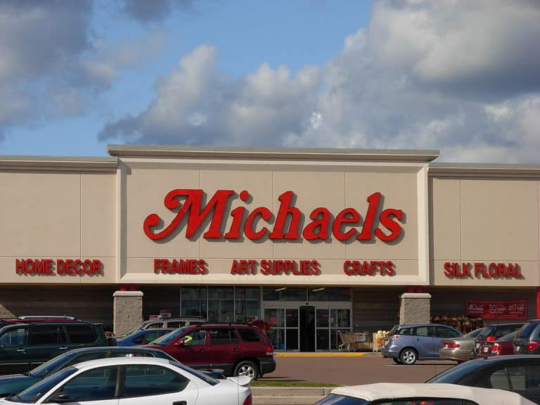Michaels careers are best for people who want a long-term, high-paying career in management but it also offers other great opportunities.