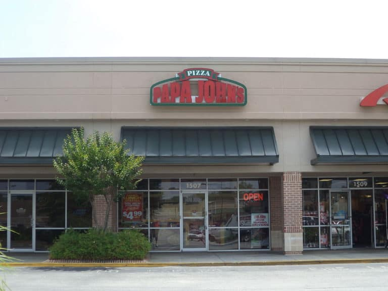 There are many Papa John's careers to choose from including store, distribution center, corporate, and truck driving jobs.