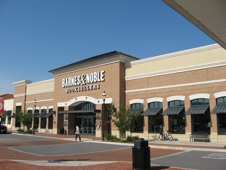 See the Barnes & Noble careers available in your area.